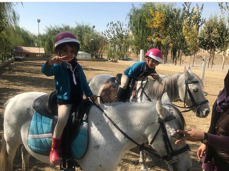 سوارکاری کودکان شیراز | باشگاه اسب سواری ماهان
